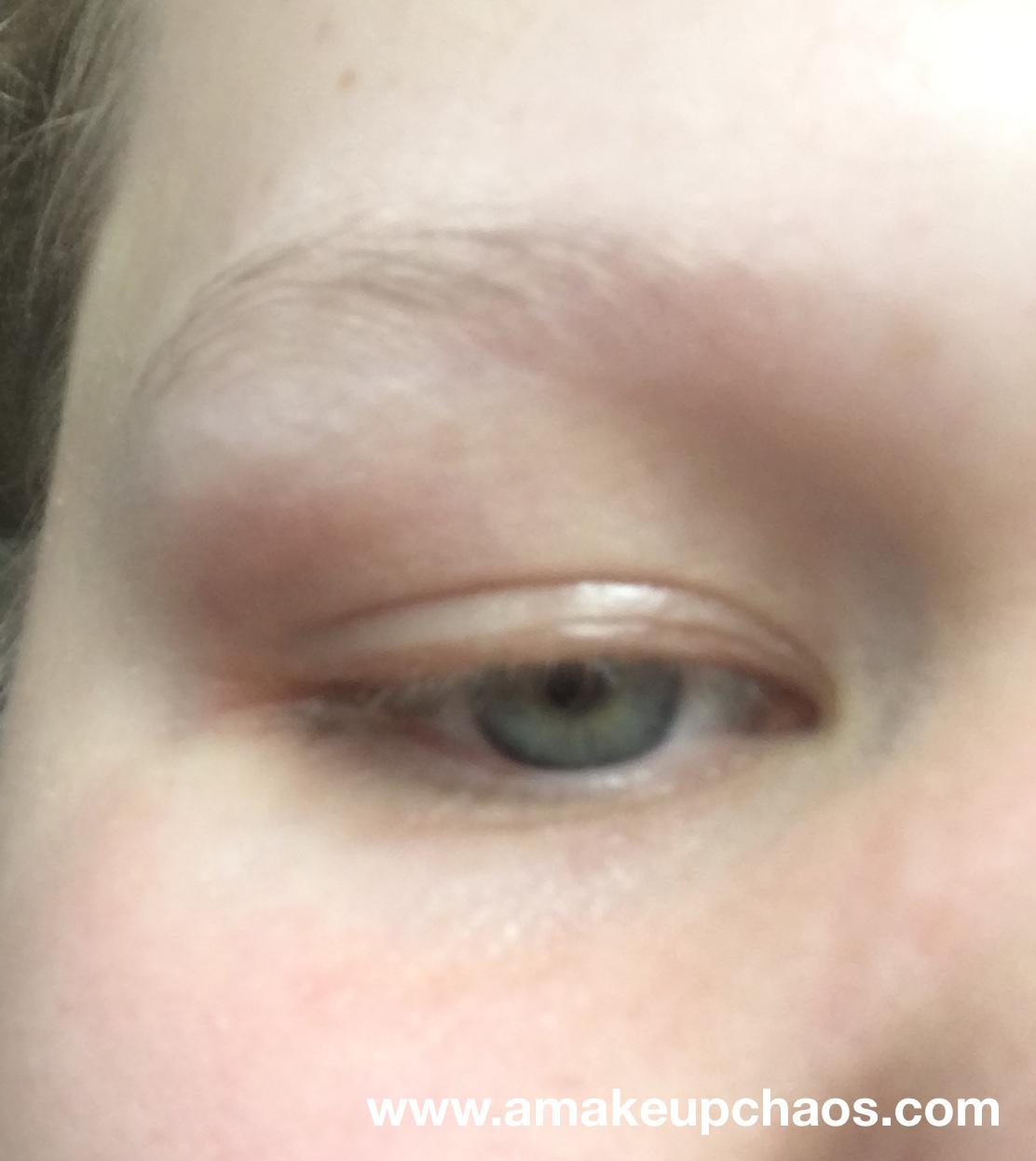 farvning af øjenbryn